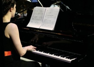 Genevive Holmes playing Greig Piano Concerto